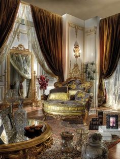 Italian Furniture Is a Perfect Choice To Attain Contemporary Living - Home Decor & Design Ideas. Luxury Interior Design, Interior Exterior, Room Interior, Palaces, Luxury Italian Furniture, Classic Furniture, Home Decoracion, Tuscan Decorating, Decorating Ideas