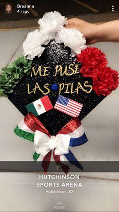 graduation [DIY and crafts]Graduation Cap Ideas hispanic Disney Graduation Cap, Funny Graduation Caps, Graduation Cap Toppers, Graduation Cap Designs, Graduation Cap Decoration, Nursing Graduation, Graduation Diy, Grad Cap, Graduation Pictures