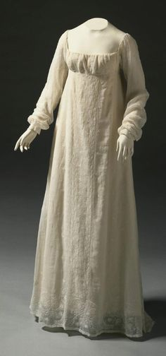 Woman's Dress Made in United States, North and Central America, c. 1805 Indian export fine white cotton plain weave with white cotton embroidery in padded satin, stem, and chain stitches and drawn fabric work Philadelphia Museum of Art. 1800s Fashion, 19th Century Fashion, Vintage Fashion, Historical Costume, Historical Clothing, Regency Dress, Regency Era, Vintage Dresses, Vintage Outfits