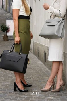 Discover our newest addition to the premium leather VIADUKT WORK collection: Slate Gray! A sophisticated and elegant addition to all your business outfits. Zurich, Work Handbag, Business Outfits, Hermes Kelly, Women Empowerment, Business Women, Take That, Pairs, Leather