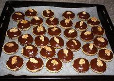 Orechové košíčky, Drobné pečivo, recept   Naničmama.sk Muffin, Baking, Breakfast, Top, Blue Prints, Morning Coffee, Bakken, Muffins, Cupcakes