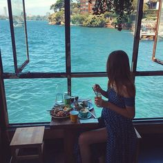 Brunch and boat watching on Sydney Harbour ⛵️