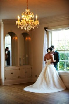 Classy, vintage, and rustic location: Monte Verde Inn loves how poofy the dress is
