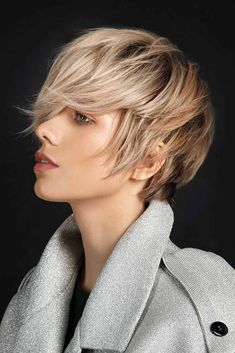 Long Messy Shaggy Pixie Meet the collection of the modern pixie cut that even celebrities cant resist! Learn more about the variety of pixies and find the ideal cut to rock today. Edgy Short Haircuts, Messy Bob Hairstyles, Trending Hairstyles, Short Hairstyles For Women, Hairstyles Haircuts, Very Short Hair, Short Hair Cuts, Short Hair Styles, Pixie Cut Kurz