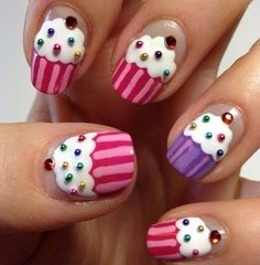 Cupcake finger nail art this is someone's project for tomorrow to do to my nails lol! Fancy Nails, Diy Nails, Cute Nails, Pretty Nails, Sparkle Nails, Nail Nail, Nail Polish, Simple Nail Art Designs, Cute Nail Designs