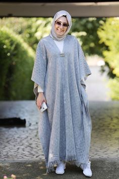 We Love Modest Fashion! We Love Modest Fashion! Abaya Fashion, Modest Fashion, Fashion Dresses, Fashion Fashion, Fashion Spring, Fashion Women, Abaya Mode, Mode Hijab, Ny Dress