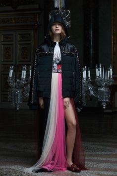 Fausto Puglisi Pre-Fall 2017 Collection Photos - Vogue