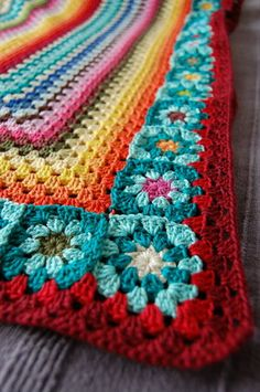 granny square, rectangular, striped, afghan, blanket, with flower motif border