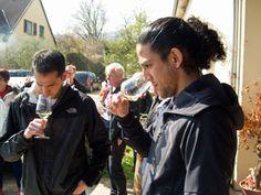 Dégustation du vin au soleil  - Journée Vinification au Domaine Stentz-Buecher #GourmetOdyssey
