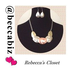 """⏰1 DAY SALE⏰  Disc necklace set in burnished multi No offers on 1 day sales. Additional discount with bundling.   Perfect to bundle with clothing or other jewelry.  Overlapping metal disc collar necklace set in Burnished multi.    Necklace is 16"""" with a 3"""" extension.  No Trades. Boutique Jewelry Necklaces"""