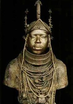Africa: The Oba is the sacred king of Benin. The sculpture shows him wearing the costume the Oba Black History Facts, Art History, Jewish History, History Education, Statues, Afrique Art, Non Plus Ultra, African Royalty, Art Populaire