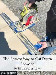 The Easiest Way to Cut Down Plywood Sheets--{Without a Table Saw!} Table Saw Jigs, Table Saw Stand, Diy Table Saw, A Table, Woodworking Tools For Beginners, Woodworking Projects Diy, Woodworking Plans, Diy Projects, Project Ideas