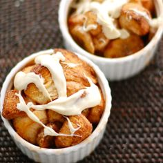 Banana Monkey Bread - Pinch of Yum (Munchies Vegan Dessert Vegetarian Wheat Fruit Gluten Biscuit dough White chocolate Ground cinnamon Bananas Sugar) Fun Desserts, Delicious Desserts, Dessert Recipes, Yummy Food, My Favorite Food, Favorite Recipes, Muffins, Cupcakes, Monkey Bread