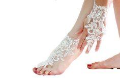 White bridal lace barefoot sandal Wedding anklet Bridal Foot