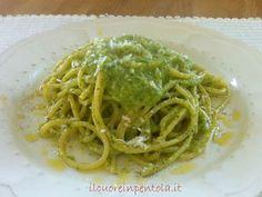 La pasta con crema di zucchine è un'altra ricetta facile e buonissima da preparare con le zucchine. Il procedimento è veramente velocissimo...