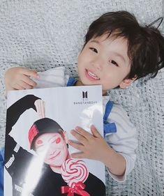 El ijo de sendy y namjoon que an renido Cute Baby Boy, Cute Little Baby, Baby Kind, Little Babies, Cute Kids, Little Boys, Cute Asian Babies, Korean Babies, Asian Kids