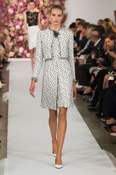 61 photos of Oscar de la Renta at New York Fashion Week Spring 2015.