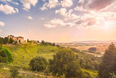 Location for wedding: amazing Castle 60 km far from Florence