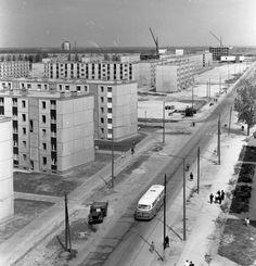 Dózsa György út a főiskolai kollégium tetejéről a Vasmű út felé nézve.