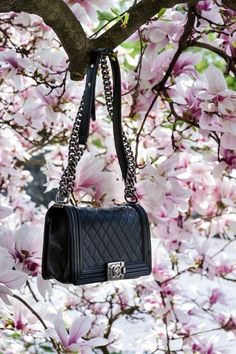 Black chanel quilted boy bag