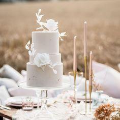 Luxury Wedding Cake, Wedding Cakes, Gluten Free Wedding Cake, Mediterranean Wedding, August Wedding, Boho Wedding Decorations, Baking And Pastry, Wedding Cake Inspiration, Wedding Cake Designs