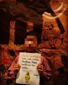 Pintando sonrisas de colores: Nuestro rincón de arte rupestre. Movies, Movie Posters, Art Corner, Cave, Colors, Film Poster, Films, Popcorn Posters, Film Books
