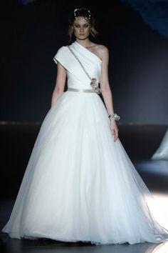 Wedding Magazine - Jesus Peiro 2016 wedding dresses