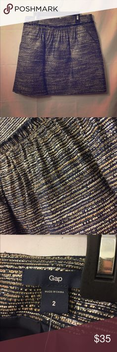 ✨NWT✨ Gap Blue Silver Tweed Mini Skirt SZ 2 This is a perfect skirt for office wear! Pair it with a simple white button up for a professional, yet sophisticated look! SIZE 2. Questions? Please contact me! Open to any offers! 💞 GAP Skirts Mini