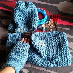Conjunto de gorro, cuello y mitones de lana tejido por @chiguagua46 en telar