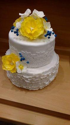 Netradičná svadobná kombinácia žltá a tmavomodrá | Autorka: zuzanka12 |  Svadobná torta