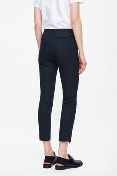 RELAXED TAILORED TROUSERS Dark brown Trousers COS