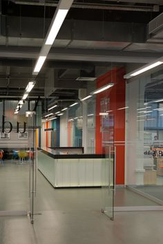 British Higher School of Art and Design and MARCH school. Interior design by PANACOM.