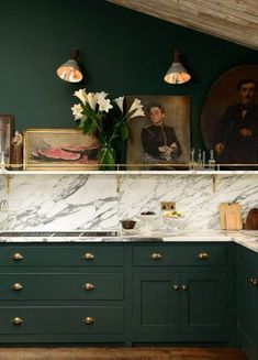 If you are looking for Green Kitchen Cabinets Design Ideas, You come to the right place. Here are the Green Kitchen Cabinets Design Ideas. Dark Green Kitchen, Green Kitchen Cabinets, Painting Kitchen Cabinets, Kitchen Cabinet Design, Interior Design Kitchen, New Kitchen, Dark Cabinets, Kitchen Ideas, Kitchen Walls