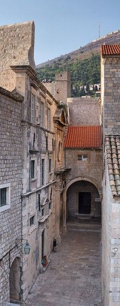 Dubrovnik, Croatia. Our tips for things to do in Dubrovnik: http://www.europealacarte.co.uk/blog/2011/03/24/things-to-do-dubrovnik/