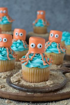 Octopus Cupcakes - perfect for an under the sea party!