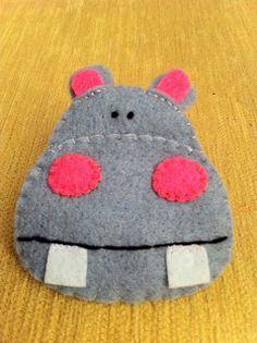 Broche hipopótamo en fieltro
