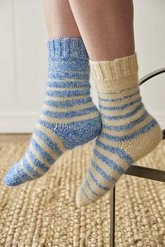 Ravelry: Enduring Stripes pattern by Cat Bordhi
