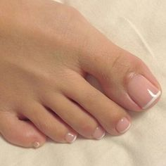 french nails for wedding Braid Tutorials Pedicure Colors, Manicure And Pedicure, Pedicure Ideas, Toe Nail Color, Nail Colors, Fancy Nails, Trendy Nails, Hair And Nails, My Nails