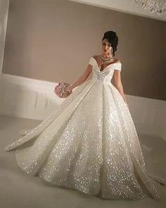 fbbb47ef84d6 Свадебные Платья, Свадебные Наряды, Обручальные Кольца, Стили Проведения  Свадеб, Брак, Участие
