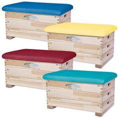 Grevinga® Sprungkasten 3-teilig, farbig. Die Deckelplatte wurde zum Schutz mit einer hochwertigen Schaumstoffauflage gepolstert und mit Kunstleder überzogen. Sie haben die Möglichkeit bei dem Deckel zwischen den Farbvarianten rot, gelb, blau oder türkis zu wählen. Couch, Red, Blue, Gymnastics, Artificial Leather, Yellow, Settee, Sofa, Sofas