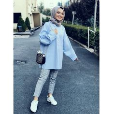 you Zeynepkrade Hijab. The word conjures up images of gorgeous Muslim girls w Tesettür Tunik Modelleri 2020 Modern Hijab Fashion, Hijab Fashion Inspiration, Muslim Fashion, Modest Fashion, Fashion Outfits, Hijab Casual, Hijab Chic, Modest Dresses, Modest Outfits