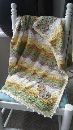 Giraffe crochet ripple blanket