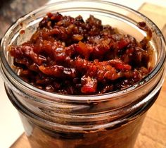 Easy Crock-Pot Bacon Jam Recipe Is a Savory Winter Treat – Kolay yemek Tarifleri Slow Cooker Bacon, Crock Pot Slow Cooker, Slow Cooker Recipes, Bacon Recipes, Jam Recipes, Canning Recipes, Recipies, Cheese Recipes, Snack Recipes
