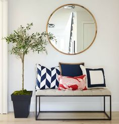 4 Relaxing Clever Hacks: Minimalist Interior Style Light Fixtures minimalist home decoration wall art.Minimalist Interior Ideas Coffee Tables minimalist home decoration wall art. Modern Entryway, Entryway Decor, Entryway Mirror, Entrance Decor, House Entrance, Foyer Furniture, Rustic Entryway, Entrance Ways, Entry Foyer