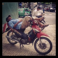 Vietnam ~ I wish I could sleep like this. Ho Chi Minh City, Photo Essay, Vietnam Travel, 30 Day, Cool Pictures, Places To Visit, Sleep, Notes, Instagram
