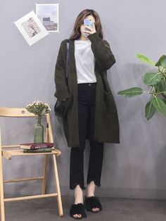 Pin by Girl Daily Fashion on Girl Daily Fashion in 2019 Korean Fashion Winter, Korean Fashion Casual, Korean Girl Fashion, Korean Fashion Trends, Ulzzang Fashion, Korea Fashion, Korean Outfits, Asian Fashion, Daily Fashion