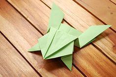 hacer una rana saltarina de origami
