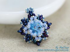 Pattern bijoux: TECNICA PEYOTE - the mother load of free schemas on this page