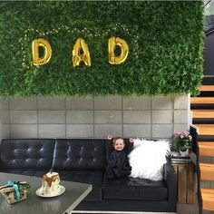 How gorgeous is Father's Day over at @casarahmarychapman house yesterday?  Tallulah looks so excited 🙌🏻 #partyshop #partysupplies #partyideas #partysuppliesnz #poprocparties #fathersday #letterballoons #dad