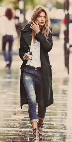 coat- Martha Hunt, great rainy day look a hood, even better..